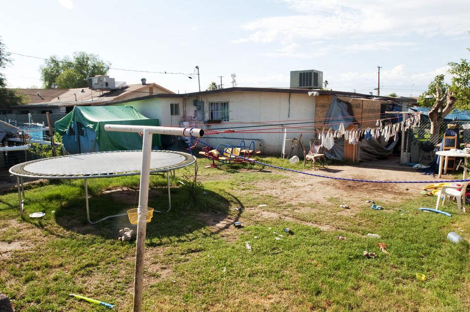 В Аризоне приговорена к казни девушка, уморившая в сундуке 10-летнюю кузину за съеденное мороженое. Фото №2