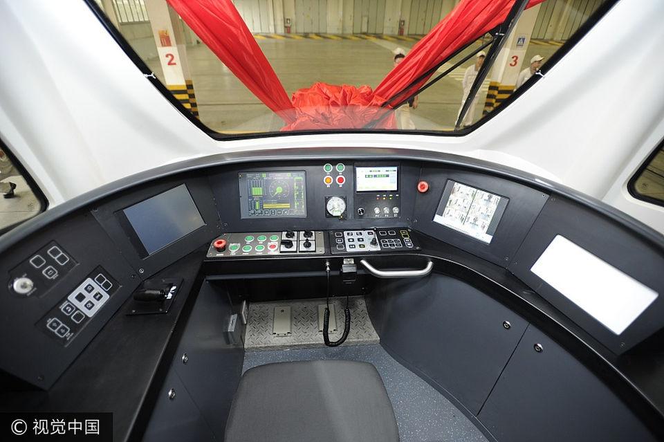 Первый в мире беспилотный трамвай запустили в Китае