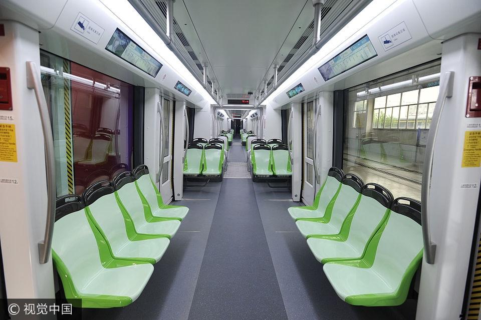 Китай первым в мире запустил беспилотный трамвай