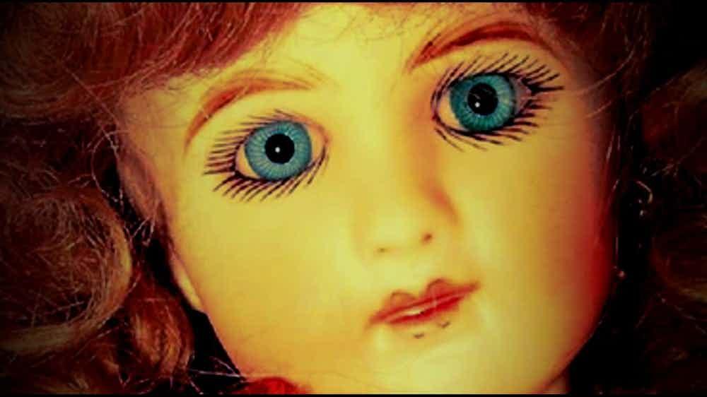 Аннабель нервно курит, или реальные куклы, которое дадут сто очков вперед фильмам ужасов